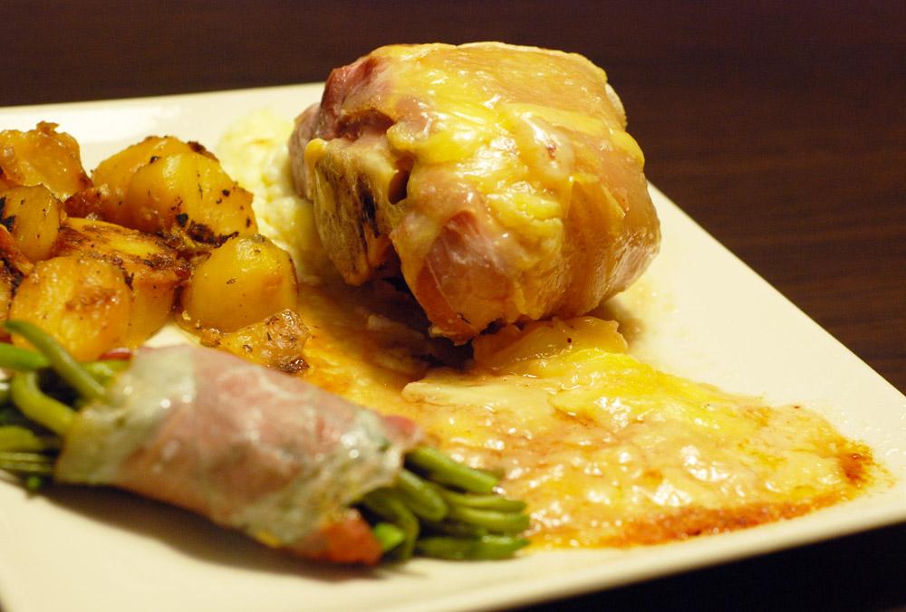 Jarret de porc gratin au munster mon assiette gourmande - Cuisiner un jarret de porc ...
